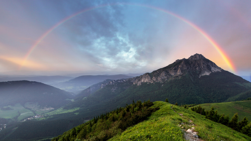Un fenómeno de la naturaleza: un hermoso arcoíris horizontal