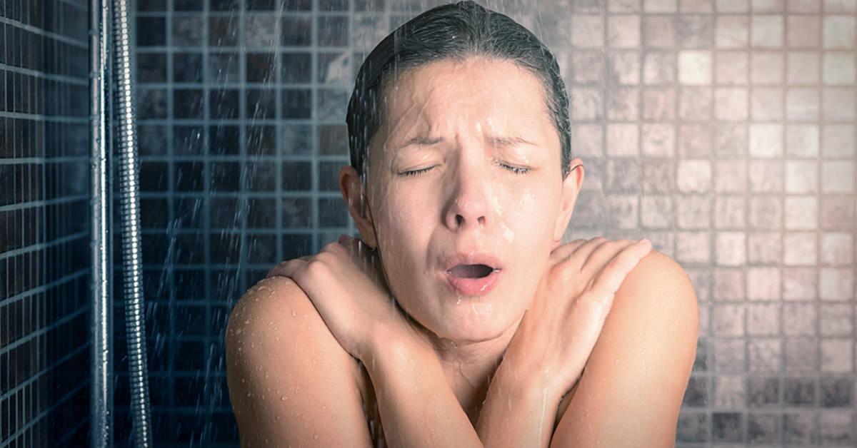 Ducharse con agua fría tiene todos estos beneficios