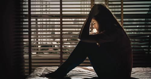 ¿Qué debes saber para ayudar a alguien con pensamientos suicidas?
