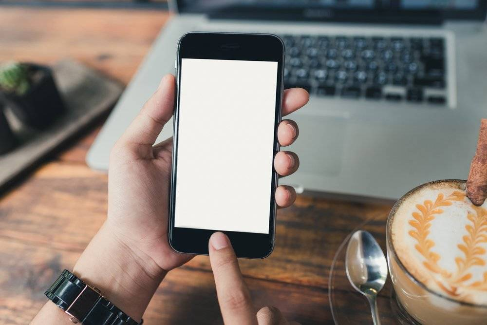 Recomendaciones de expertos para que las ondas del celular no te dañen la salud
