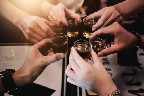 Conoce las 10 ciudades del mundo que más alcohol consumen