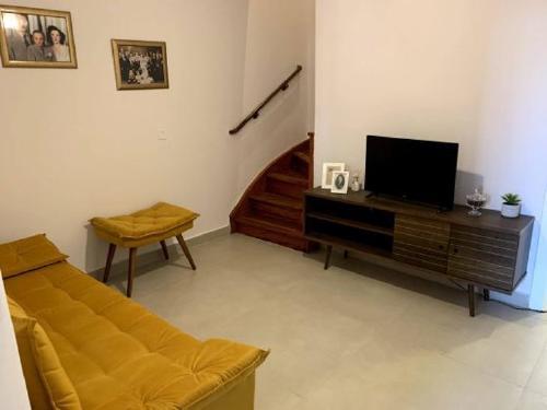 idoso-sozinho-casa-roberto-vizinhas-11-560x420-1