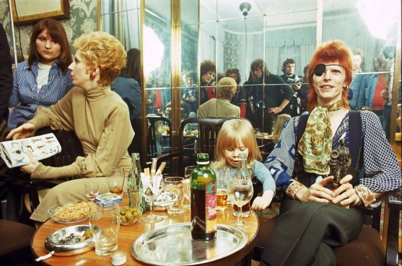 Así será la nueva película biográfica de David Bowie que promete ser delirante