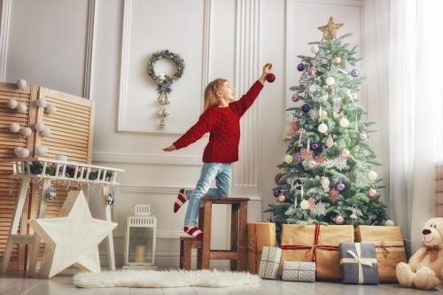 Poner el árbol de Navidad más temprano te hace más feliz, afirma la ciencia