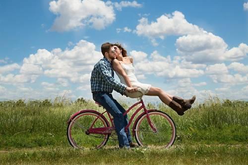 Huye de la monotonía con estas actividades en pareja