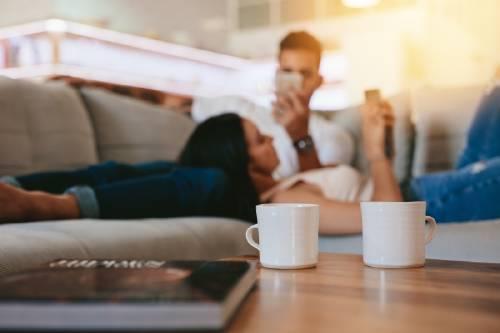 Cómo afectan las redes sociales en tus relaciones de pareja y por qué debes identificarlo a tiempo
