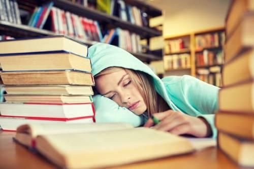 ¿Dormir 20 horas al día? esta joven lo hace debido a una rarísima enfermedad