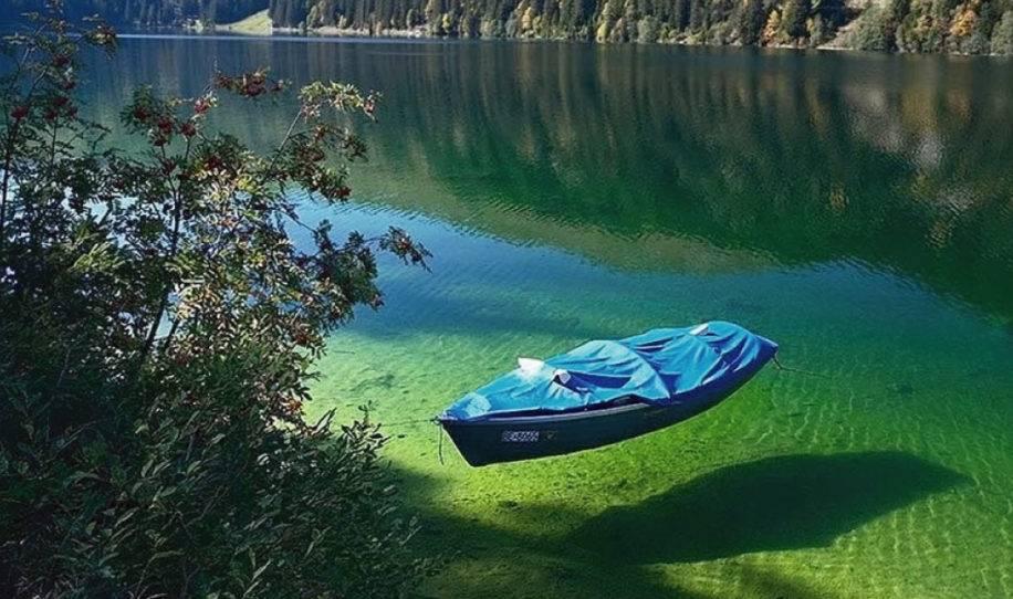 Así luce el lago más claro del mundo pero no se puede nadar en él por esta ..