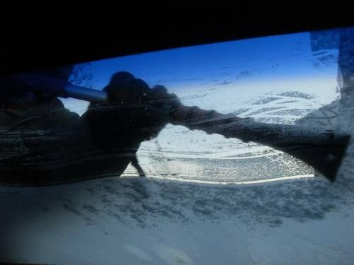 El truco para eliminar el hielo del parabrisas que arrasa en Facebook