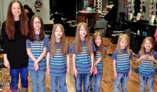 Todos se burlaban de estos 7 hermanos por tener larga su cabellera hasta que c..