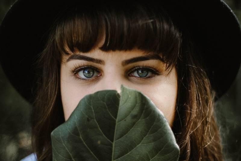 Descubre por qué los ojos de algunas personas cambian de color
