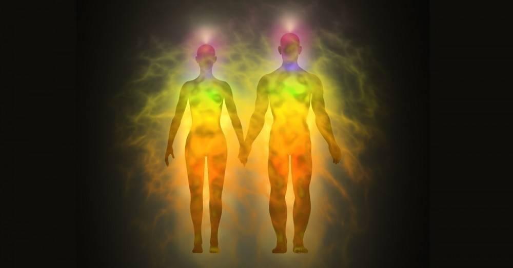 ¿Qué es el aura, cómo saber el color y qué significa cada uno?
