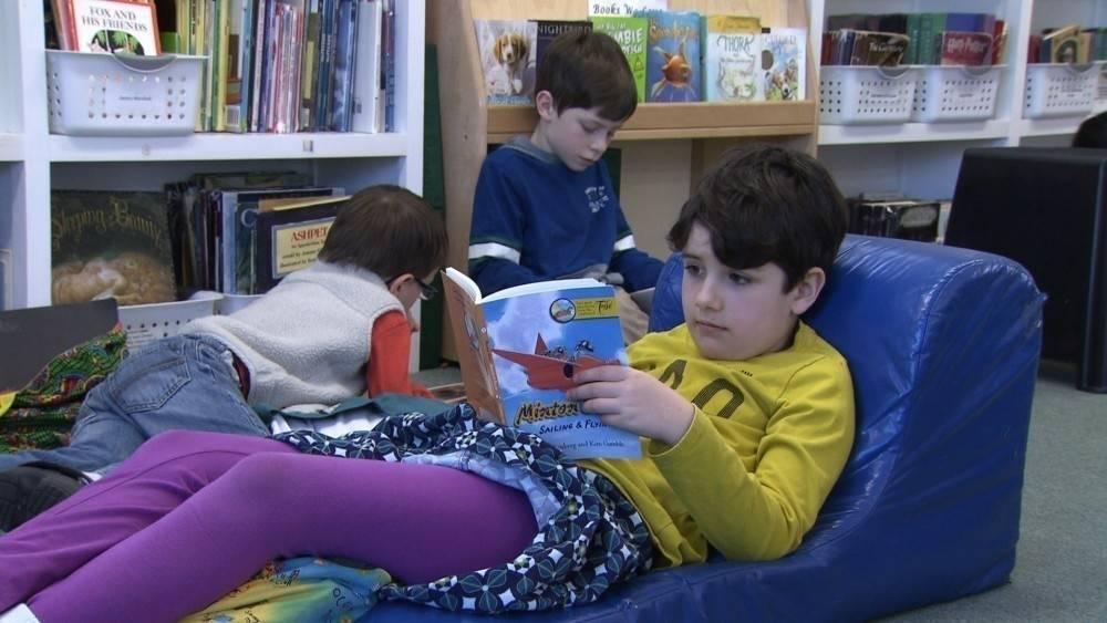 Una profesora explica cómo hace para que sus estudiantes lean 40 libros al año