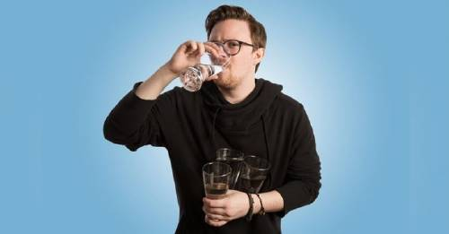 Estos son los increíbles resultados de beber 4 litros de agua durante 30 día..