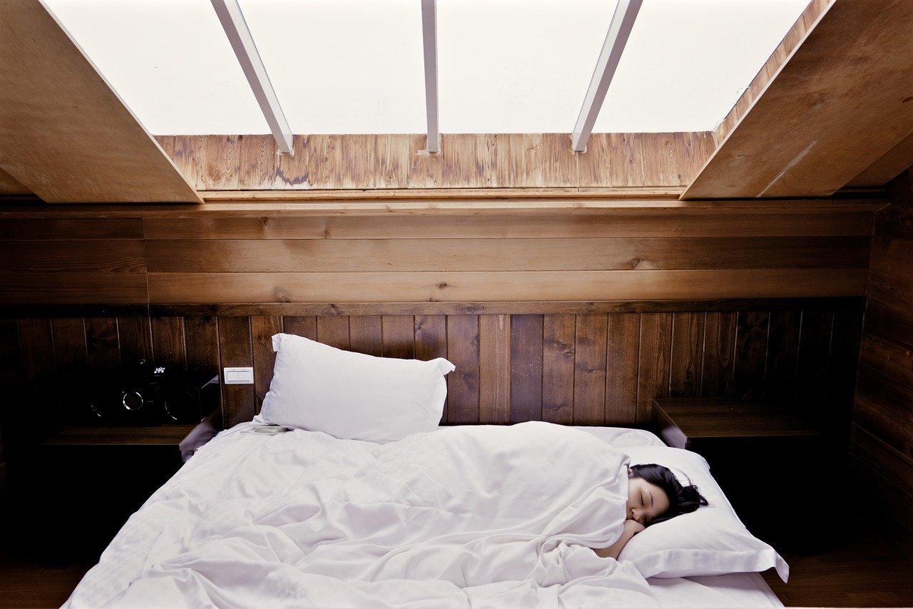La enfermedad del ocio puede surgir al alterar las horas de sueño