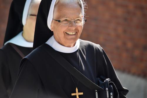 Increíble. Monja católica queda embarazada después de comer testículo de toro